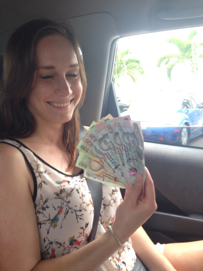 Helen rolls in dolla dolla billz. Bahamian dollars are beautiful.