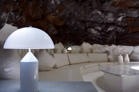 manrique designed social spaces into lava pockets. you could feel the schwing.